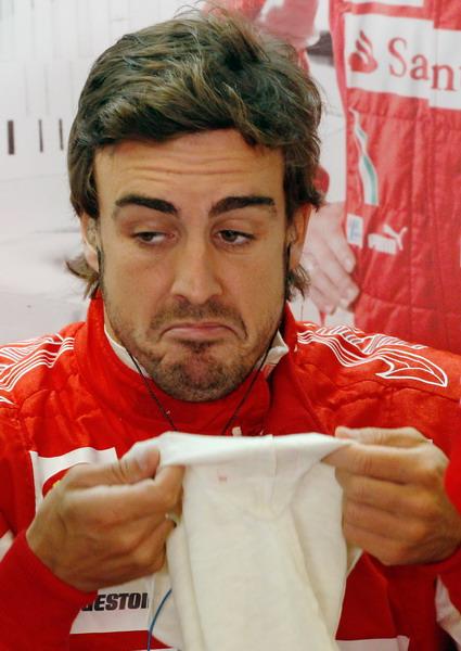 图文:F1意大利站第一次练习 不屑一顾的表情