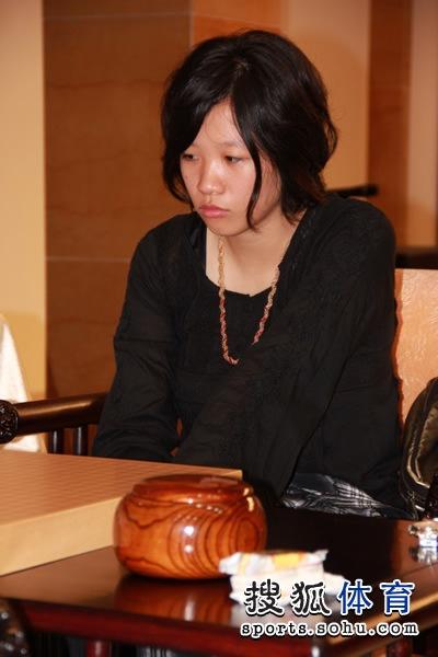 代表日本棋院参赛的谢依�F