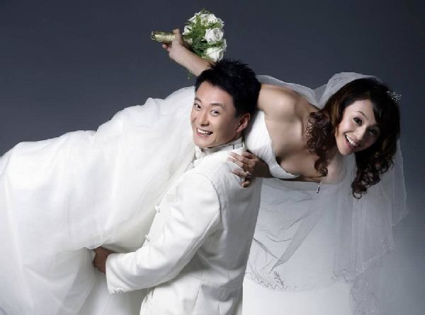 09年底曹颖王斑两人婚纱照曝光