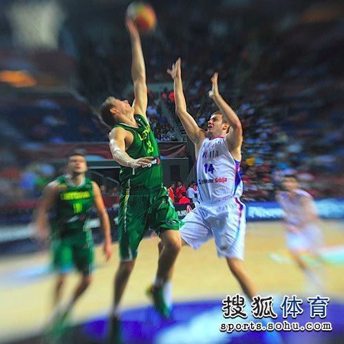 图文:男篮世锦赛精选 防守