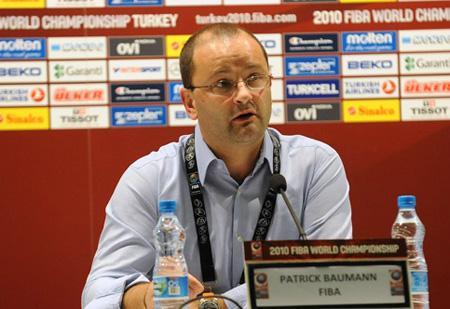 国际篮联秘书长和国际奥委会委员帕特里克・鲍曼