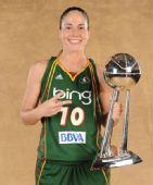 图文:风暴队夺WNBA总冠军 伯德很高兴
