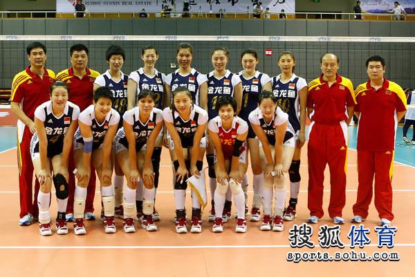 中国女排12人合影