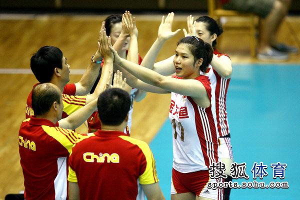 中国女排亚洲杯名单_图文:亚洲杯中国女排vs韩国 徐云丽出场