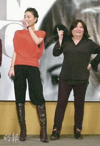 邱��宽(右)主办王菲的台北小巨蛋演唱会