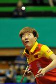 图文:女乒世界杯小组赛首轮 郭焱高抛发球
