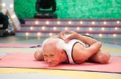 图:《开心100》现场――瑜珈老师都未必能胜任