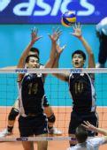 图文:世锦赛中国男排0-3法国 中国队双人拦网