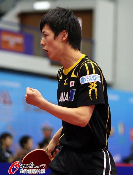 图文:乒球世界杯男团3-1日本 松平健太庆祝