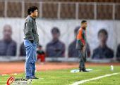 图文:[中超]青岛1-0河南 唐尧东面色严峻