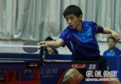 图文:乒乓球全锦赛团体首日 张继科网前迎敌
