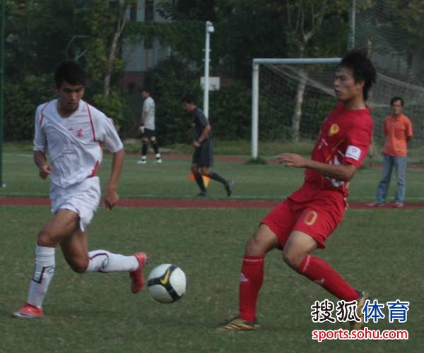 10年全国职业足球俱乐部预备队联赛第二阶段比赛湖北武汉赛区进行