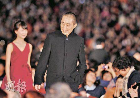 张艺谋出席《山楂树之恋》釜山首映礼。