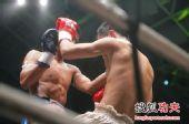 图文:中国拳王康恩马来西亚遭KO 康恩消耗巨大
