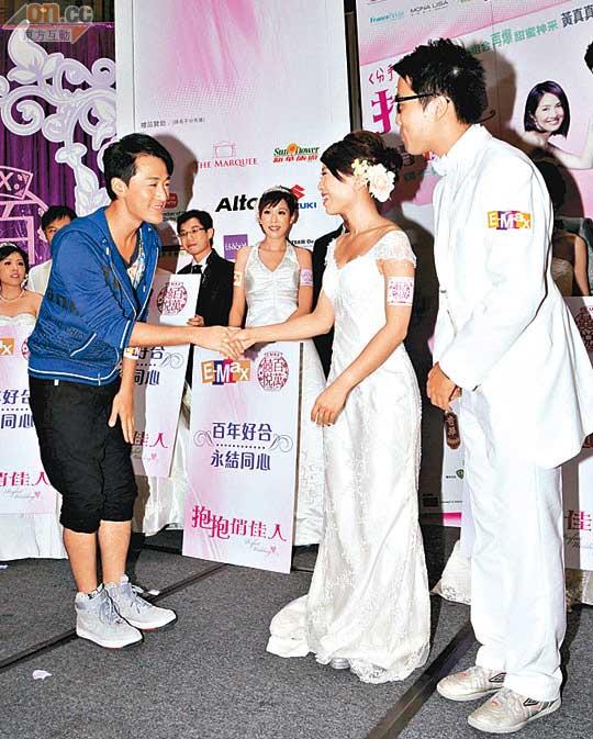 林峰昨日出席活动,顺道为新人证婚
