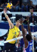 图文:巴西男排获世锦赛冠军 阿马尔高点强攻