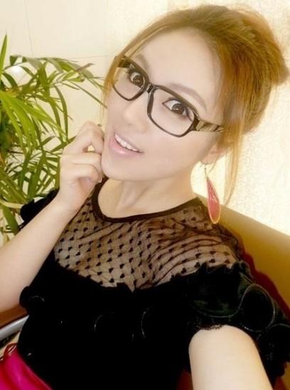 淫娃女教师_最性感女教师 你放心孩子上她的课吗(组图)