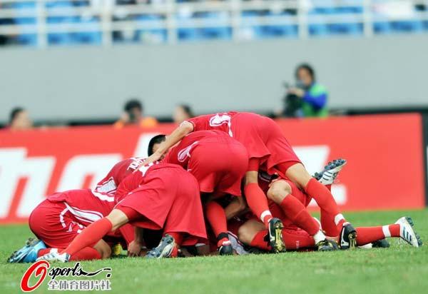 朝鲜拥抱庆祝