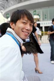 赛出现九名中国姿势帅气年轻堪称网球王子-搜打高尔夫球的用力哪个手球员图片