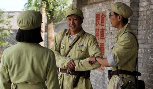 张国强《向太阳》与女兵结缘