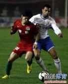 图文:[中超]河南1-1山东 安塔尔在比赛中