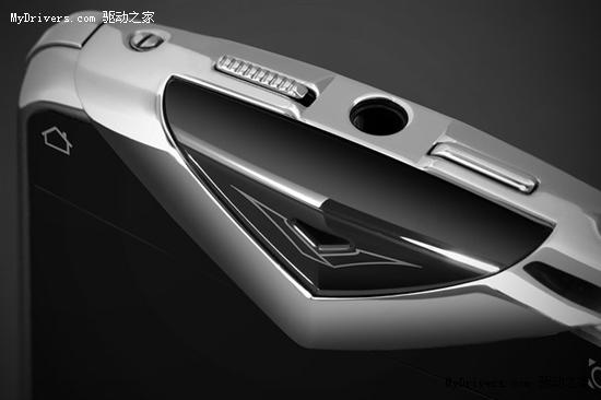 诺基亚Vertu首款全键盘奢华手机开卖