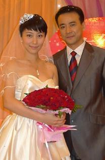 罗钢丁柳元婚纱照