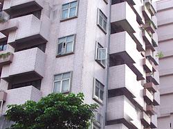 上班族买不起房子,台湾有近五成人在外租房。图片来源:台湾媒体