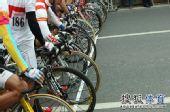 图文:环太湖自行车赛开幕 箭在弦上