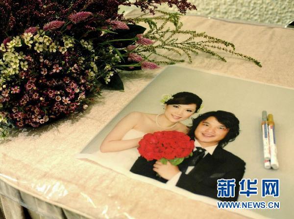 香港:中西式结合婚礼受欢迎(组图)图片