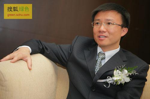 搜狐绿色专访英利绿色能源控股有限公司副总裁刘耀诚。(搜狐-刘丹/摄)