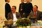 图文:[中超]鲁能庆功宴 伊万与韩公政