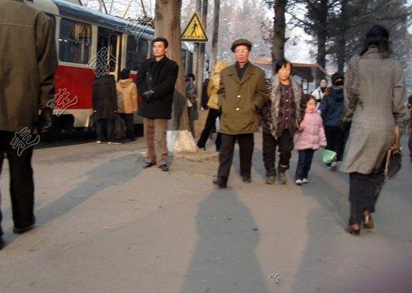 真实美女带你走进朝鲜生活现状 [组图]滚动频道