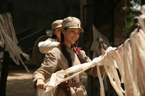 甘婷婷在《高粱红了》中清新女战士扮相