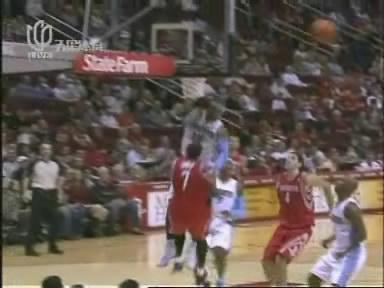图文:[NBA]火箭负掘金  07安东尼身体下落