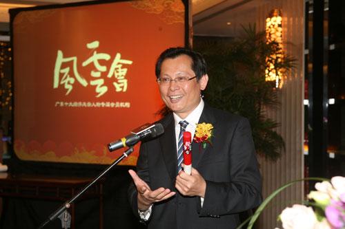 南方广播影视传媒集团总裁张惠建发起风云接力(陈文笔摄影)