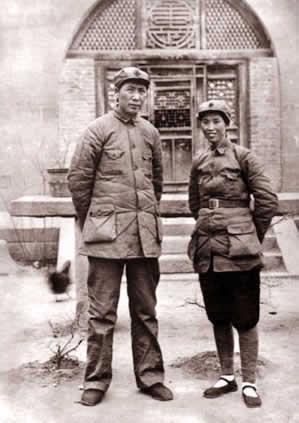 毛泽东和贺子珍在延安时的合影(来源:资料图)