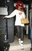 针织裙:蕾哈娜