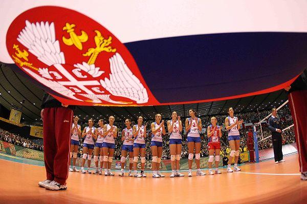 塞尔维亚队入场