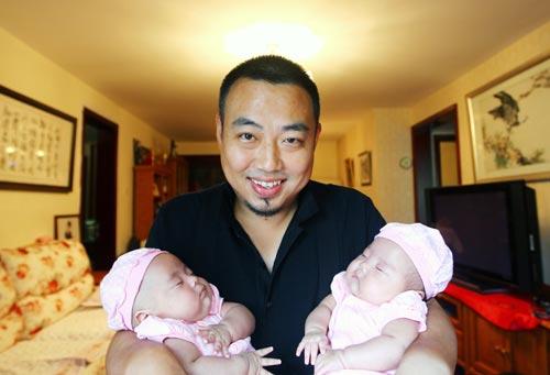 01-刘国梁的双胞胎女儿