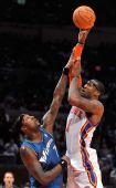 图文:[NBA]奇才负尼克斯 小斯单打