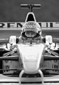 俄总理普京试驾F1雷诺方程式赛车(图)