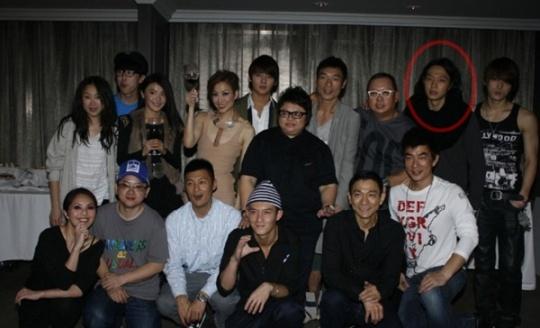 JYJ与刘德华合影曝光