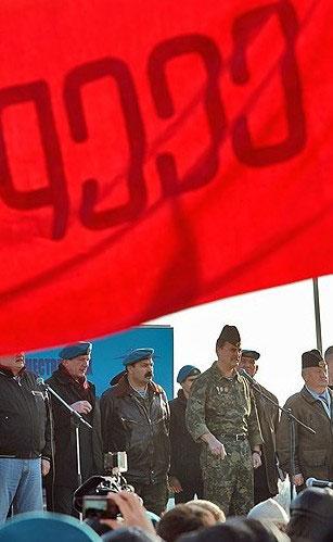上千名俄军官兵在莫斯科集会。
