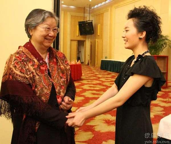 张舒羽和刘思齐老人