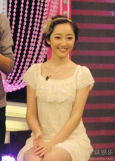 老师现场为蒋梦婕打造韩剧女主角发型