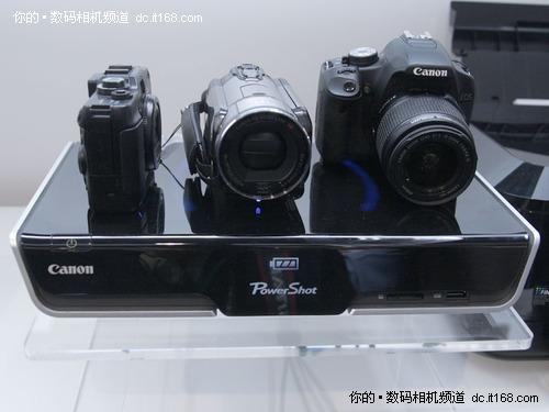 仅重2.5公斤的4K手持摄像机