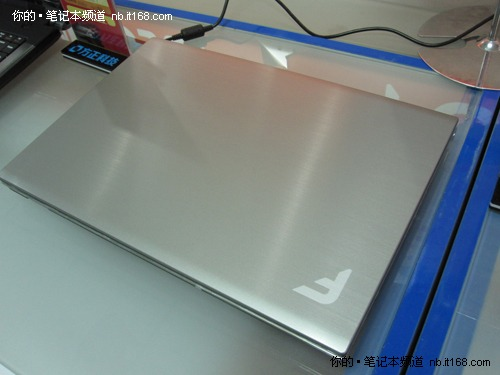 时尚银色方正R430升级i3 350M售价4399