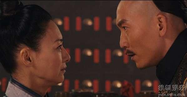 邹兆龙扮演的金鹰与惠英红扮演的五枚师太原是原本青梅竹马