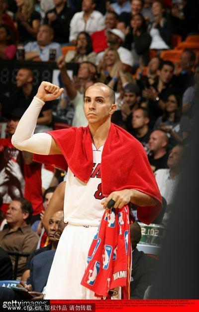 图文:[NBA]热火VS凯尔特人 阿罗约庆祝